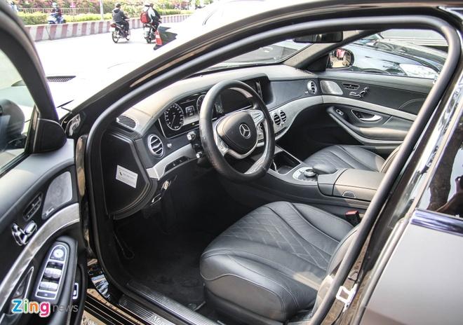 Mercedes S500 o Sai Gon lot xac nho goi do 25.000 USD hinh anh 12
