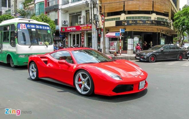 Sieu xe Ferrari 488 GTB mau do thu 2 tren 14 ty o Sai Gon hinh anh 1