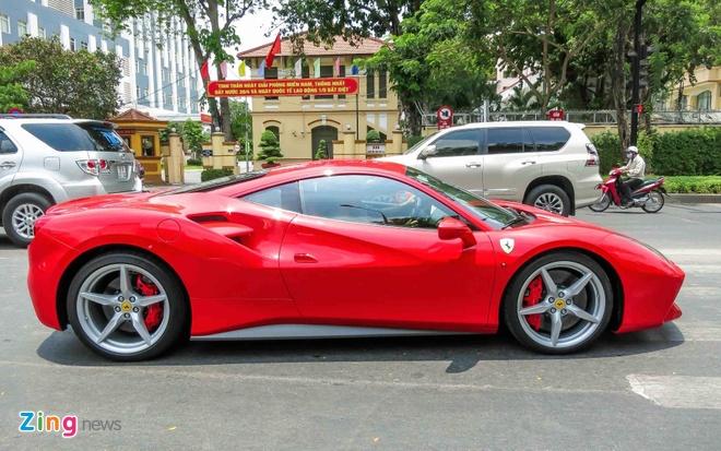 Sieu xe Ferrari 488 GTB mau do thu 2 tren 14 ty o Sai Gon hinh anh 3