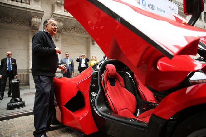 Ferrari dung ngoai cuoc dua sieu SUV hinh anh 1
