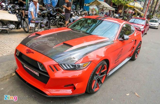 Ford Mustang do than vo soi carbon o Sai Gon hinh anh 1