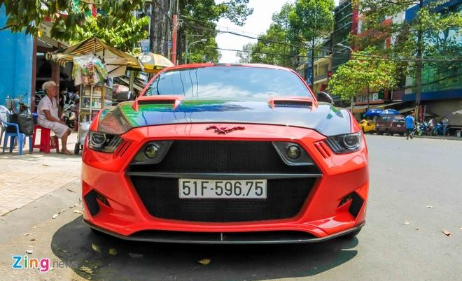 Ford Mustang do than vo soi carbon o Sai Gon hinh anh 2