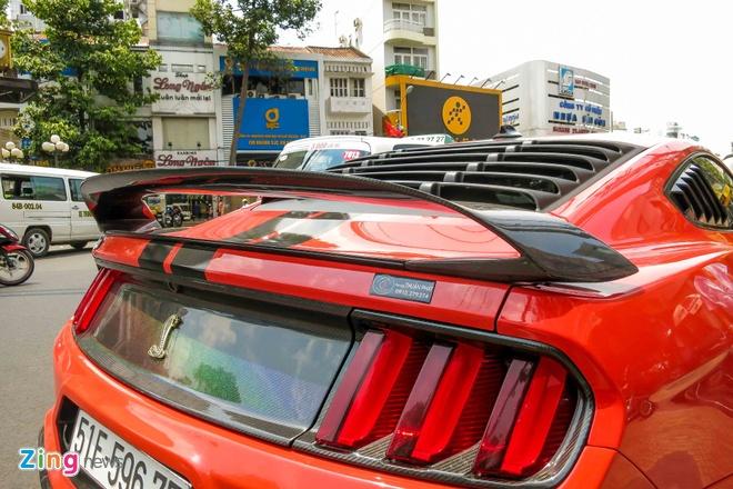 Ford Mustang do than vo soi carbon o Sai Gon hinh anh 7