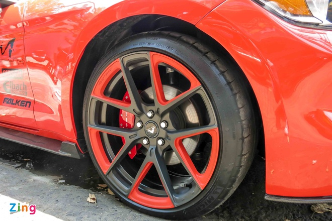 Ford Mustang do than vo soi carbon o Sai Gon hinh anh 8