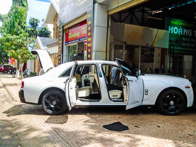 Rolls-Royce Ghost do la mat o Dak Lak hinh anh