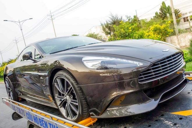 Sieu xe Aston Martin Vanquish mau xam dau tien ve Viet Nam hinh anh