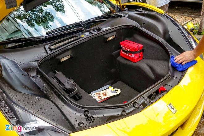 Sieu xe Ferrari 488 GTB mau vang dau tien ve Viet Nam hinh anh 11
