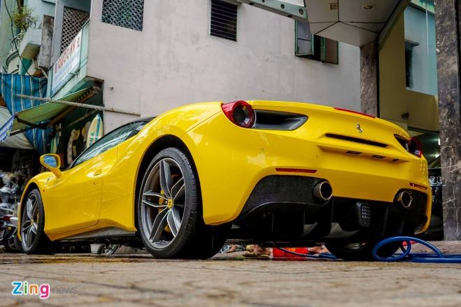 Sieu xe Ferrari 488 GTB mau vang dau tien ve Viet Nam hinh anh 5