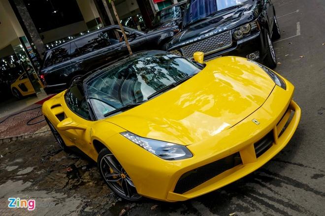 Sieu xe Ferrari 488 GTB mau vang dau tien ve Viet Nam hinh anh 12