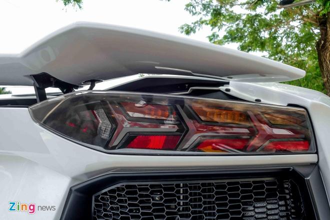 Sieu xe Lamborghini Aventador chinh hang ra bien so dep hinh anh 8