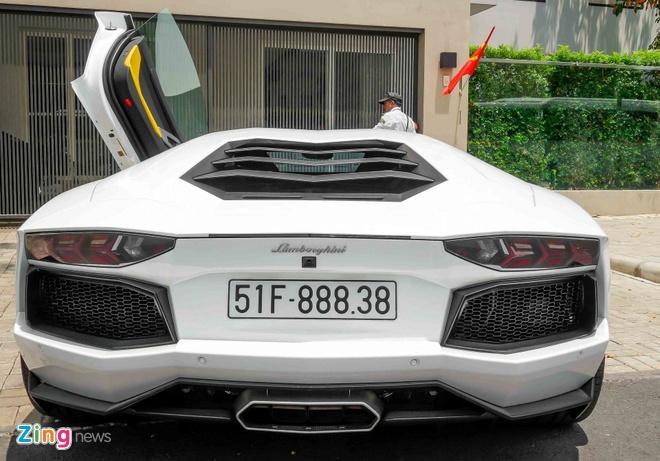 Sieu xe Lamborghini Aventador chinh hang ra bien so dep hinh anh 5