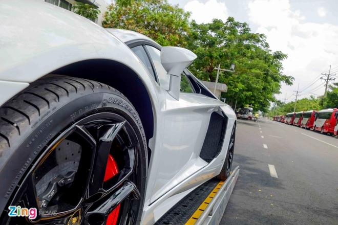 Sieu xe Lamborghini Aventador chinh hang ra bien so dep hinh anh 7