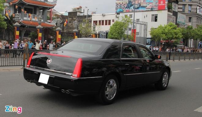 Cadillac DTS chong dan cua Tong lanh su My o Sai Gon hinh anh 2