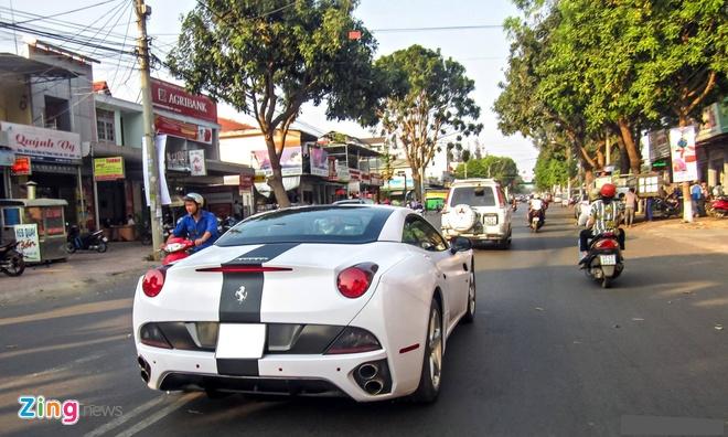 Ferrari mau trang du chung loai cua dai gia Viet hinh anh 8