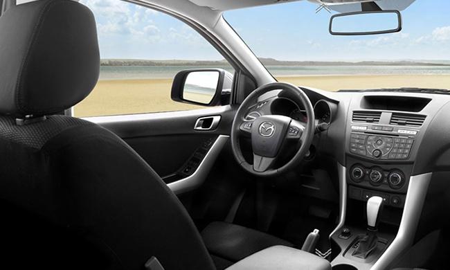 Mazda BT-50 va Ford Ranger: Mau ban tai nao dang chon? hinh anh 3