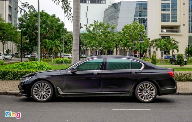 gia BMW 750Li den laser tai Viet Nam anh 1