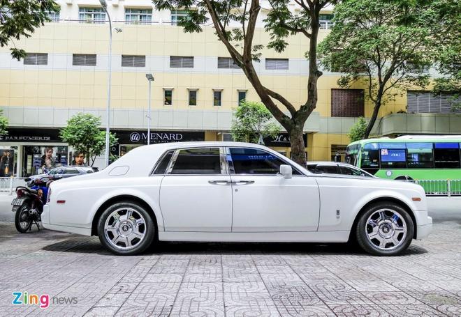 Rolls-Royce Phantom cua thieu gia Phan Thanh o Sai Gon hinh anh 2