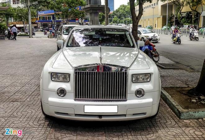 Rolls-Royce Phantom cua thieu gia Phan Thanh o Sai Gon hinh anh 3