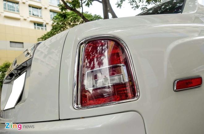 Rolls-Royce Phantom cua thieu gia Phan Thanh o Sai Gon hinh anh 7