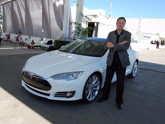 Ty phu  Elon Musk va thu choi sieu xe hinh anh 1