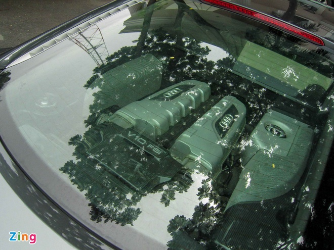 Sieu xe Audi R8 V10 mau la o Sai Gon hinh anh 4