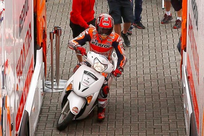 Marquez chay Honda Lead sau khi 'nga ngua' tai MotoGP hinh anh