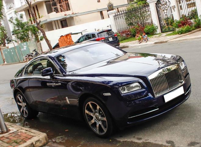 Rolls-Royce Wraith trong bo suu tap xe cua Cuong Do La hinh anh