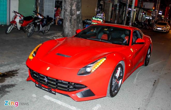 sieu xe Ferrari F12 ve Viet Nam anh 1