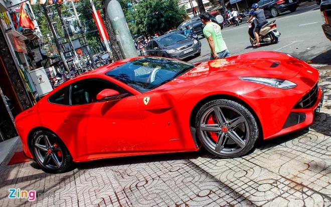 sieu xe Ferrari F12 ve Viet Nam anh 2