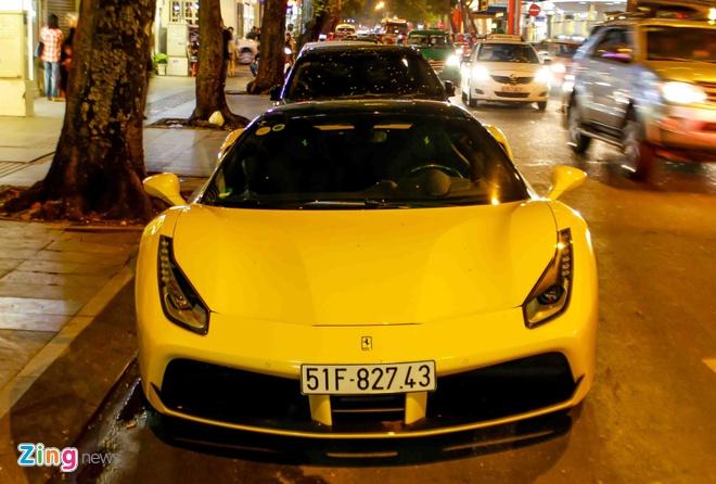 Ferrari 488 14 ty cua em trai Phan Thanh lan dau xuong pho hinh anh 3