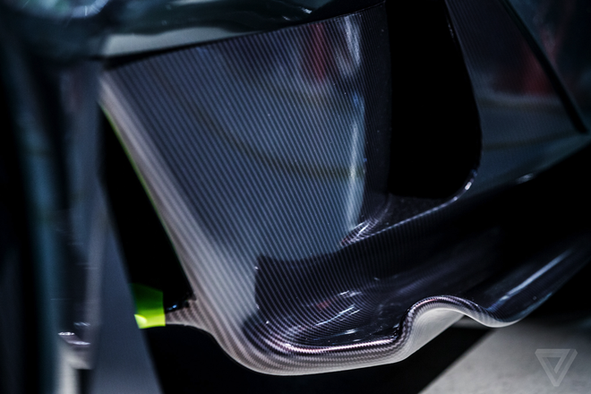 Aston Martin san xuat sieu xe F1 duong pho gia 4 trieu USD hinh anh 8