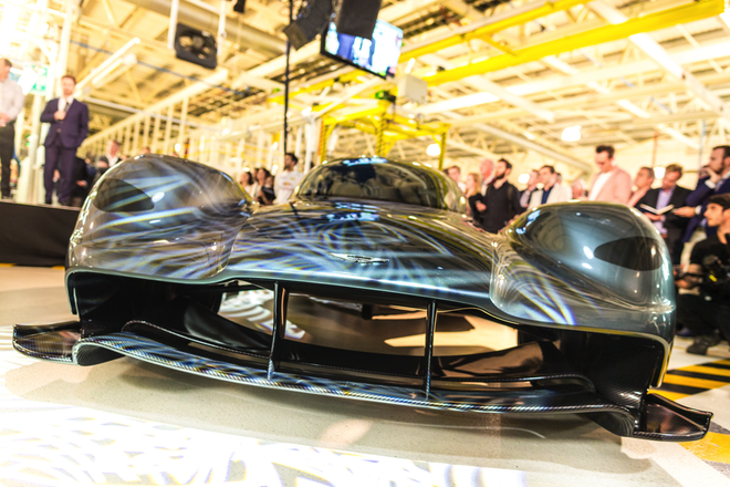 Aston Martin san xuat sieu xe F1 duong pho gia 4 trieu USD hinh anh 4