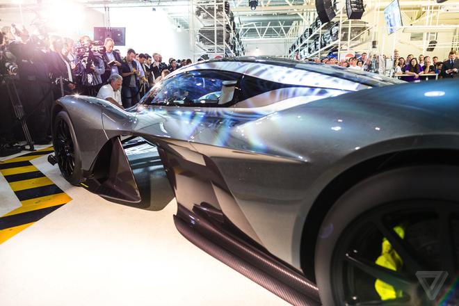 Aston Martin san xuat sieu xe F1 duong pho gia 4 trieu USD hinh anh 3