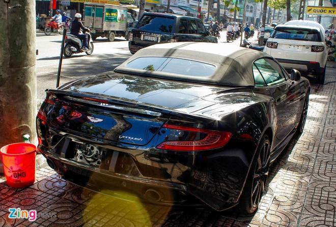 Aston Martin Vanquish mui tran dau tien ve Viet Nam hinh anh 3