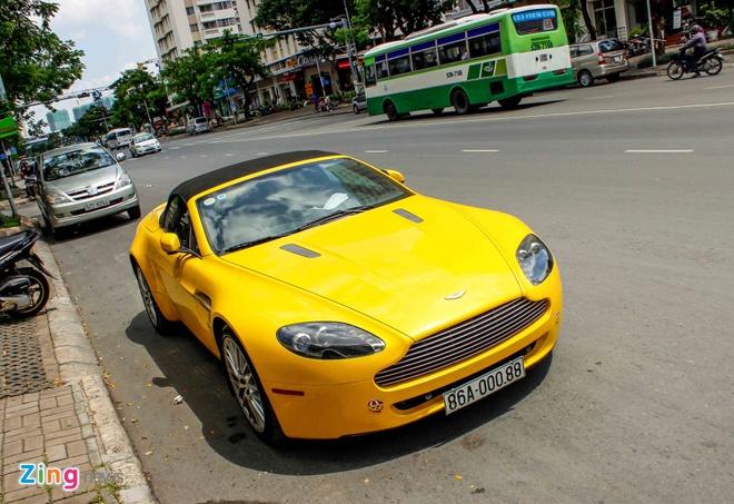 Xe the thao hang hiem Aston Martin Vantage tai Sai Gon hinh anh 1