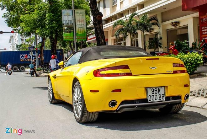 Xe the thao hang hiem Aston Martin Vantage tai Sai Gon hinh anh 8
