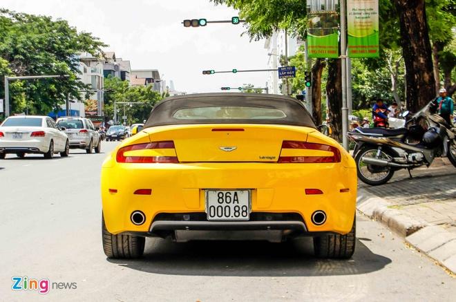 Xe the thao hang hiem Aston Martin Vantage tai Sai Gon hinh anh 4