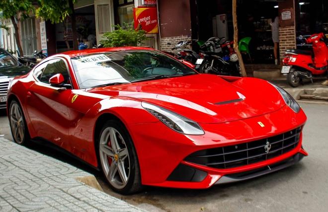 Ferrari F12 dau tien VN tim duoc chu sau gan 3 nam ve nuoc hinh anh