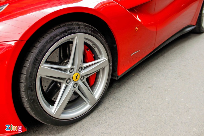 Ferrari F12 dau tien VN tim duoc chu sau gan 3 nam ve nuoc hinh anh 5