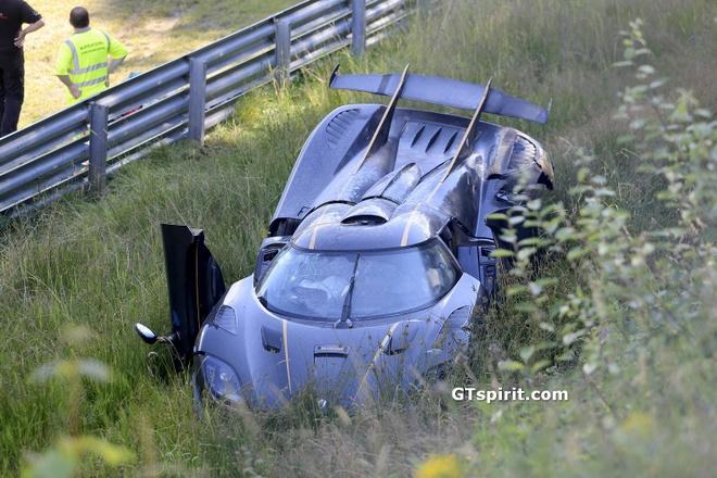 Koenigsegg One:1 gia 3 trieu USD tan nat tren duong dua hinh anh 1