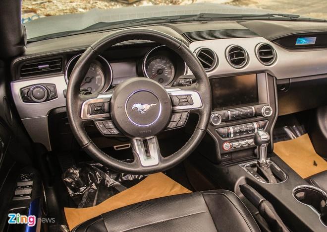 Ford Mustang GT mui tran do may va ngoai that o Sai Gon hinh anh 9