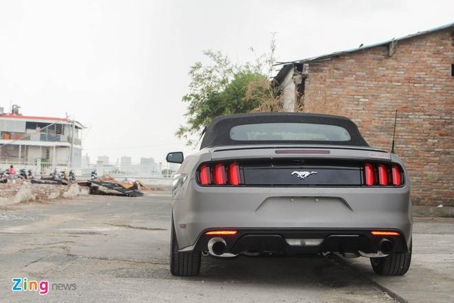 Ford Mustang GT mui tran do may va ngoai that o Sai Gon hinh anh 5