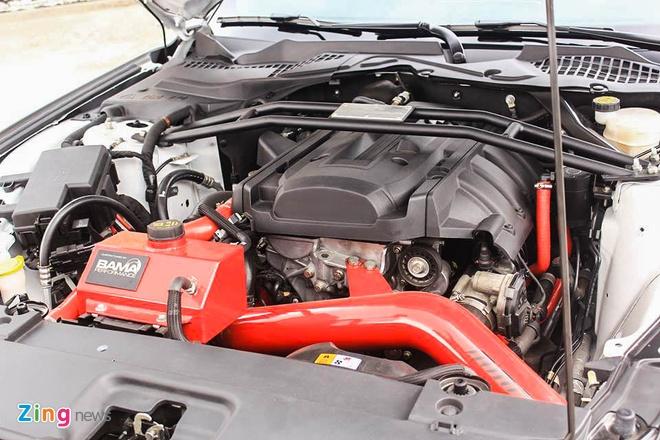 Ford Mustang GT mui tran do may va ngoai that o Sai Gon hinh anh 8