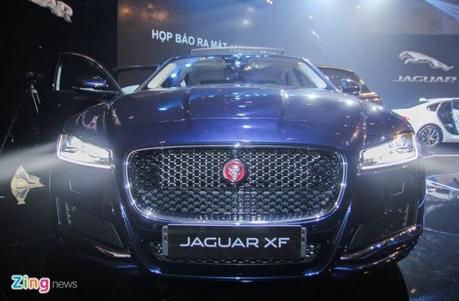 Chi tiet xe sang Jaguar XF vua ra mat tai Viet Nam hinh anh 1