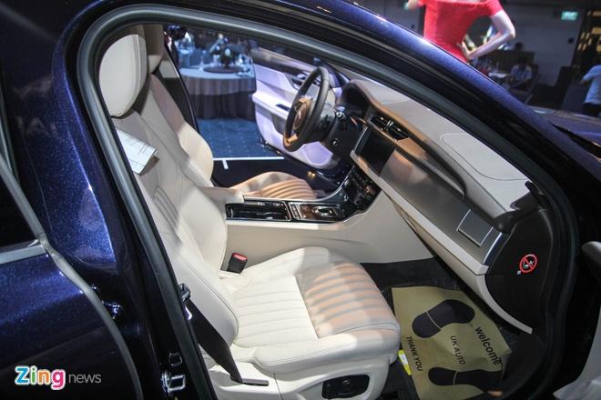 Chi tiet xe sang Jaguar XF vua ra mat tai Viet Nam hinh anh 13