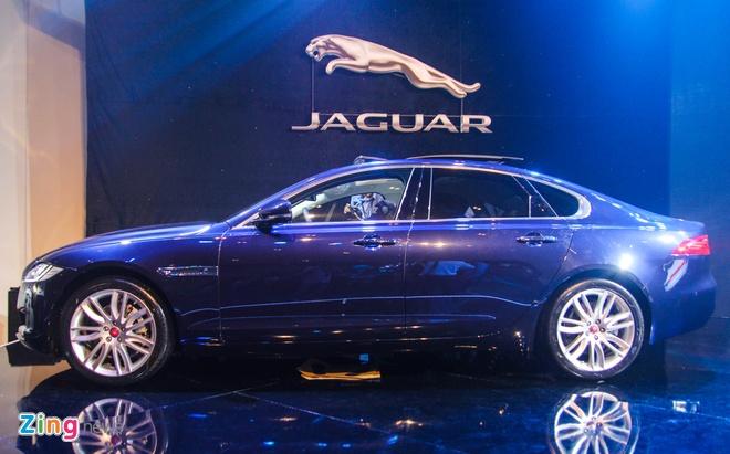 Chi tiet xe sang Jaguar XF vua ra mat tai Viet Nam hinh anh 2