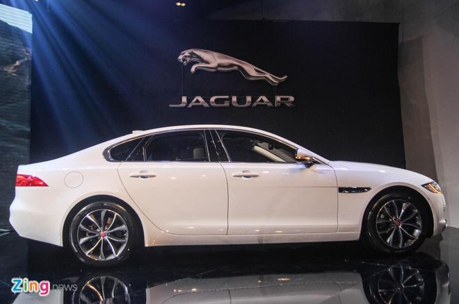 Chi tiet xe sang Jaguar XF vua ra mat tai Viet Nam hinh anh 4