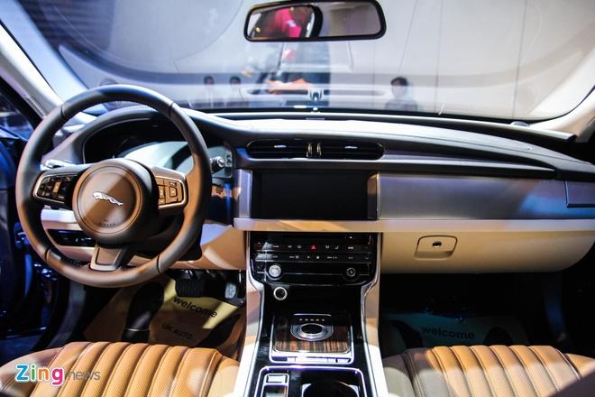 Chi tiet xe sang Jaguar XF vua ra mat tai Viet Nam hinh anh 9