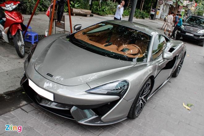 McLaren 570S cua Cuong Do La lan dau dao pho Sai Gon hinh anh