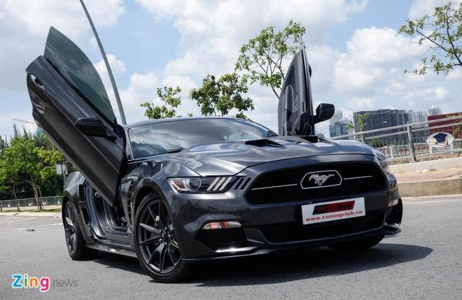 Ford Mustang do kieu Lamborghini het 250 trieu dong hinh anh 2
